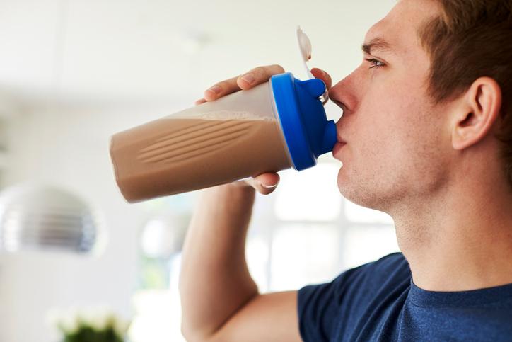 Whey protein para emagrecer: qual a relação?